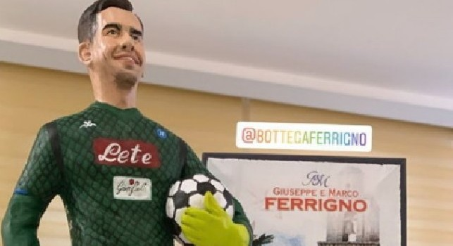 Meret, spunta la nuova statuina di Ferrigno [FOTO]