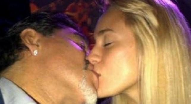 Maradona arrestato in Argentina? L'agente smentisce: Solo una notifica di risarcimento dall'ex compagna