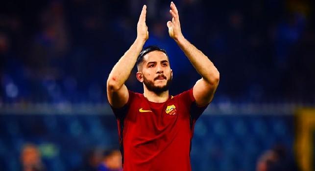 Kostas Manolas è un calciatore greco, difensore della Roma e della Nazionale