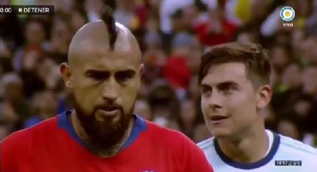 Argentina-Cile, Dybala disturba Vidal prima del rigore gridando: Kiricocho [VIDEO]