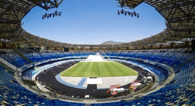 Campagna abbonamenti Napoli, la radio ufficiale: 25% di sconto. Rispetto al singolo biglietto si risparmierà il 40% su tutto il campionato