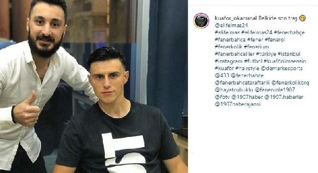 Forse l'ultima barba: il barbiere di Elmas lo 'congeda' prima del trasferimento a Napoli [FOTO]
