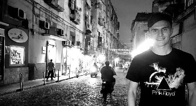 Elmas a Napoli per la prima volta, visita nel cuore del Rione Sanità [FOTO]