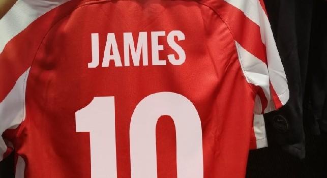 James Rodriguez, sui social tifosi Atletico Madrid mostrano le sue maglie con il numero 10 [FOTO]