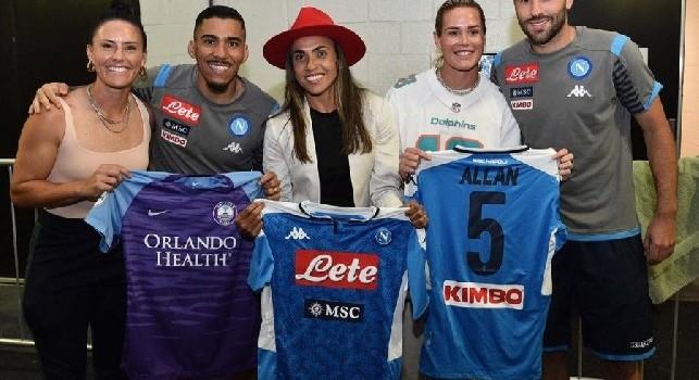 SSC Napoli: È stato un vero piacere incontrarvi. Grazie per essere grandi modelli di riferimento per lo sport! [FOTO]