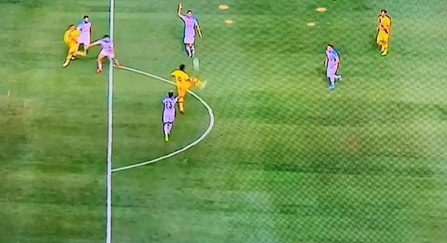 Barcellona in vantaggio con Suarez, ma il gol era da annullare per il fuorigioco di Griezmann [FOTO]