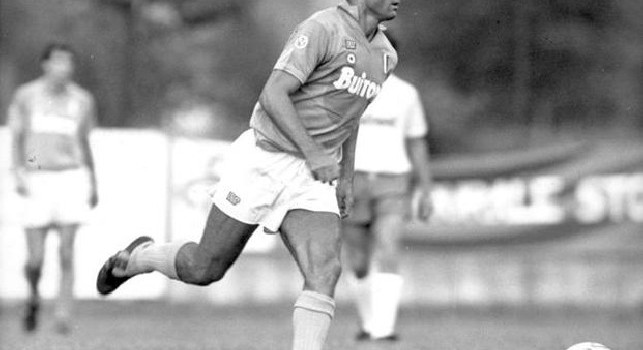 La SSC Napoli fa gli auguri a Bruno Giordano per i suoi 63 anni: Buon compleanno