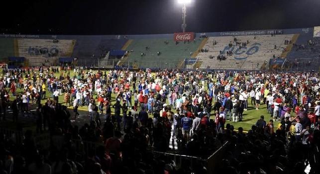 Honduras, scontri prima del derby Olimpia-Motagua: tre morti, feriti anche alcuni calciatori [FOTO & VIDEO]