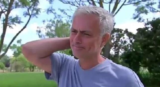 Mourinho si commuove durante un'intervista: Ora che non alleno il calcio mi manca [VIDEO]
