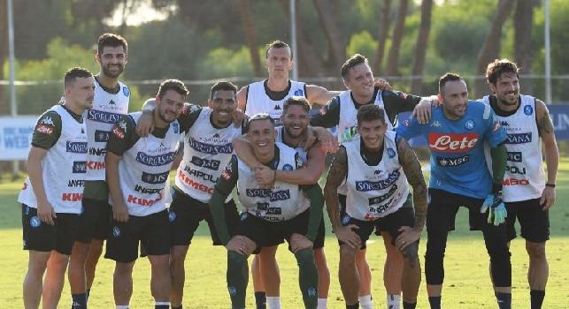 Termina l'allenamento, la SSC Napoli: Che partita! [FOTO]