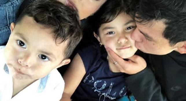 Telegraaf - Lozano in volo con un jet privato verso l'Italia, domani le visite mediche con il Napoli [FOTO]