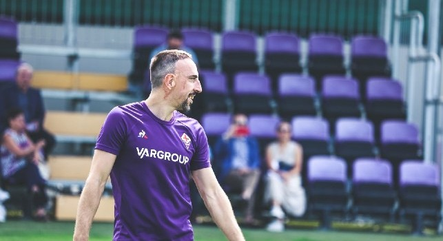 Boato al Franchi, Ribery si alza per scaldarsi!