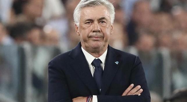 Spogliatoi San Paolo, furia Ancelotti: mancano ancora panchine, armadietti e docce
