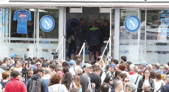 Perchè il Napoli non veste Nike o Adidas? Libertà per valorizzare il marchio, gestione del marketing e scelte stilistiche sulle maglie