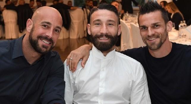 """""""Tutto quello che succede..."""" Tonelli 'ritrova' Napoli sui social, Reina attacca: """"Conviene!"""" [FOTO]"""