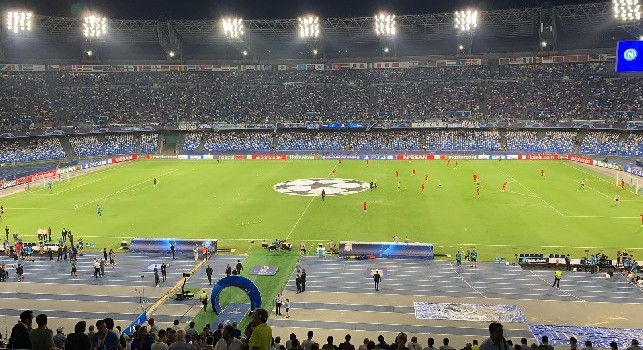 Solita bolgia al San Paolo: incredibile l'urlo The Champions [VIDEO]