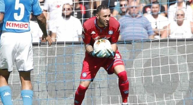 Lecce in vantaggio al San Paolo: Ospina respinge sui piedi di Lapadula, l'attaccante dei pugliesi sblocca il match