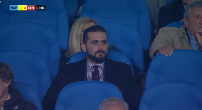 Napoli-Genoa, in Tribuna inquadrato il solo Edoardo De Laurentiis: il vicepresidente siede da solo al San Paolo [FOTO]