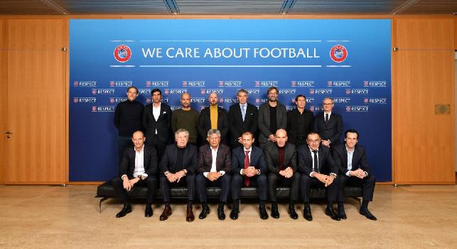 Ancelotti su Twitter: Un onore partecipare all'Elite Coaches Forum della UEFA, bello parlare con altri colleghi