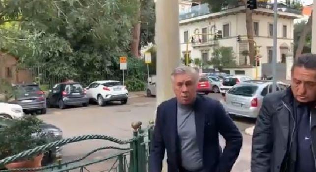 Ancelotti arriva all'incontro con gli arbitri, persiste il silenzio stampa [VIDEO]