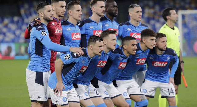 Pagelle Napoli-Genk: Milik si porta il pallone a casa! Mertens cambia atteggiamento, Zielinski svaria. Allan con il goniometro