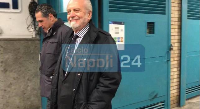 """""""Presidente, soddisfatto?"""" De Laurentiis beccato in mixed, glissa la domanda e lascia il San Paolo [VIDEO ESCLUSIVO]"""