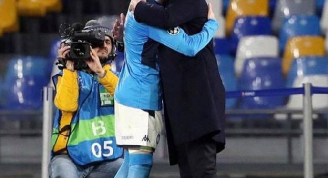 A testa alta!: Ancelotti esonerato dal Napoli, arriva il messaggio della figlia [FOTO]