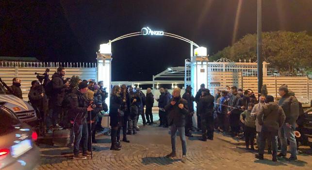 RILEGGI DIRETTA - Cena SSC Napoli, De Laurentiis e Gattuso concludono la serata con un discorso. Anche Edo e Gattuso lasciano Villa D'Angelo [VIDEO CN24]