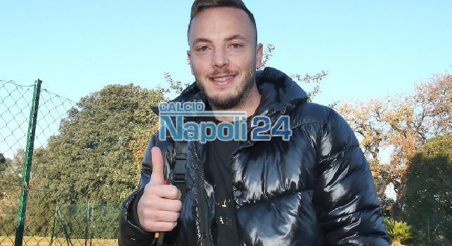 Visite mediche Rrahmani, sorrisi e selfie con i tifosi del Napoli [FOTOGALLERY CN24]