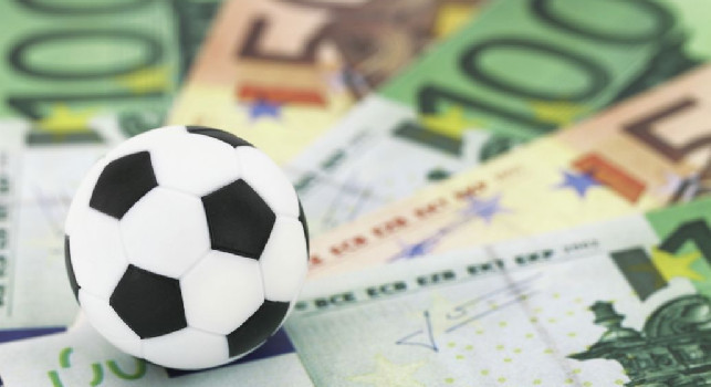 Taglio stipendi, un centrocampista del Pontedera preoccupato: Non avrei nemmeno i soldi per tornare a Napoli