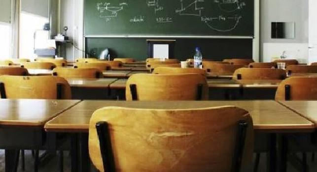 Covid Campania, l'esperta: Scuola determinante per la risalita dei contagi, boom del 50% tra i banchi