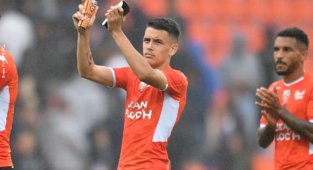 L'Equipe - Napoli su Enzo Le Fée del Lorient: si ispira ad Iniesta e costa 10-15milioni