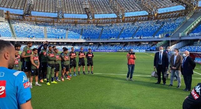 SSC Napoli, il report della seduta: esercitazioni sui passaggi e partitina, utilizzato il pallone della Champions League