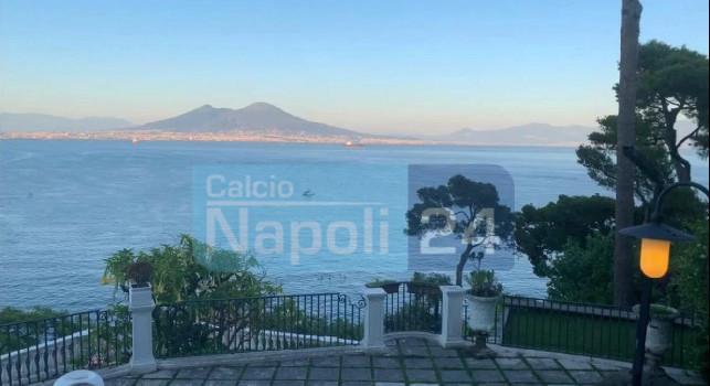 Osimhen in visita da Gattuso, il tecnico tesse le lodi della città dal terrazzo di casa sua: Guarda qui, Napoli è fantastica! [ESCLUSIVA]