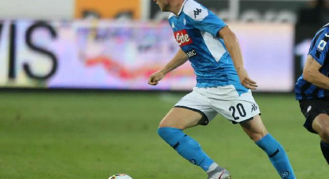 Doppo cambio per il Napoli: fuori uno stanco Elmas e dentro Zielinski. Entra anche Younes