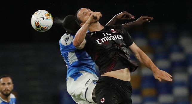 Moviola Napoli-Milan, Gazzetta: cartellino affrettato su Bakayoko! Gomitata Ibra almeno da giallo