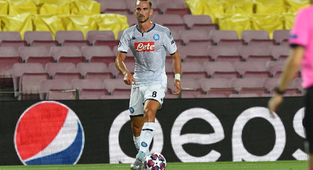 Il Mattino: Troppi dispersi al Camp Nou: KK prima regala il 3-0 e poi si dà al nomadismo, Fabian si nasconde. Mai visto Callejon