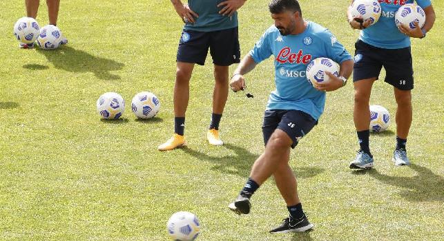 Il Mattino - Napoli-Teramo, le probabili scelte di Gattuso: nuova coppia di difensori, Lozano e Politano con Osimhen