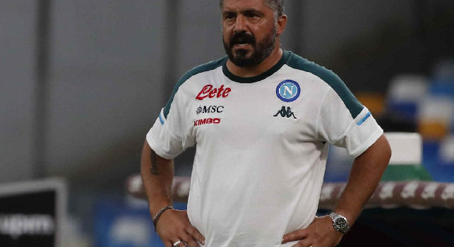 Tuttosport - Gattuso e squadra in ritiro ieri sera: lo spostamento della gara alle 18 non ha cambiato i piani in casa Napoli