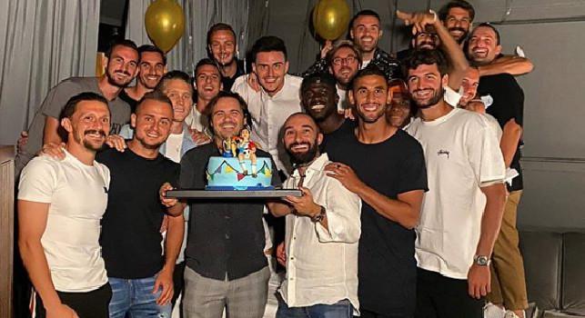 Compleanno azzurro per Elmas, il talento macedone festeggia i 21 anni con i compagni di squadra [FOTO]