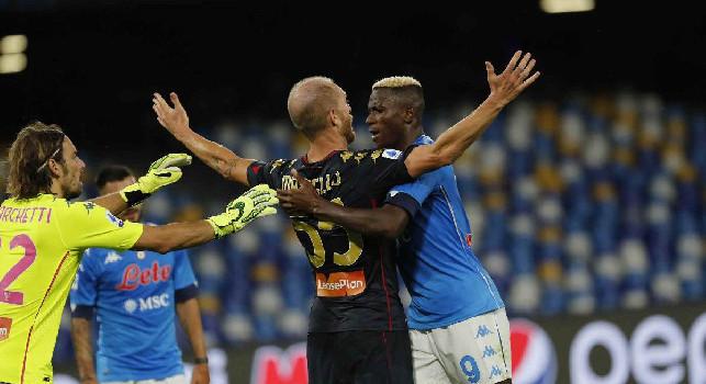 Moviola Napoli-Genoa, CorSport: solo un calo di concentrazione nel finale per Sacchi, un contatto Masiello-Osimhen si trasforma in un corpo a corpo