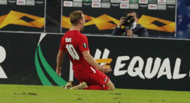 L'AZ Alkmaar celebra la vittoria sul Napoli: Anche con le spalle al muro i nostri hanno resistito all'accerchiamento finale