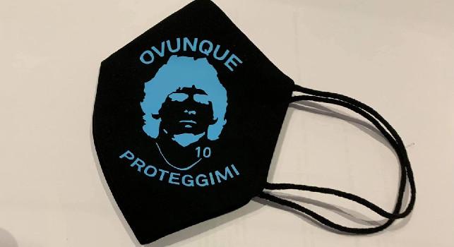 Pisani risponde a Cecchi Paone con una mascherina che ricorda Maradona: Non solo un invito in tribunale, gli ho spedito un regalo unico [FOTO]