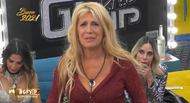E' morto Paolo Rossi, concorrenti GF Vip sotto choc: Maria Teresa Ruta crolla in un pianto disperato [VIDEO]