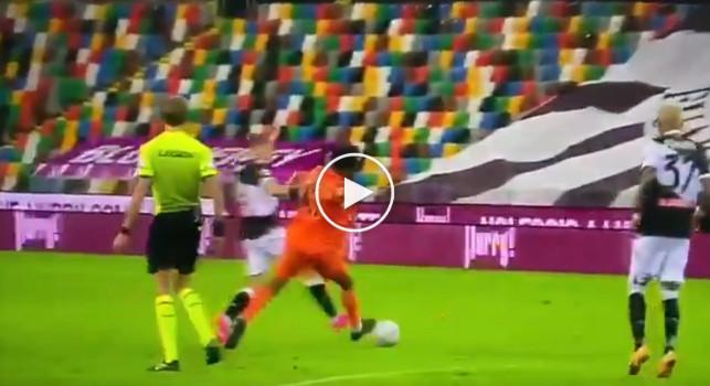 Gol del pari della Juve, ecco l'episodio Larsen-Cuadrado che ha fatto infuriare l'Udinese. Bargiggia: Ma che punizione è? [VIDEO]