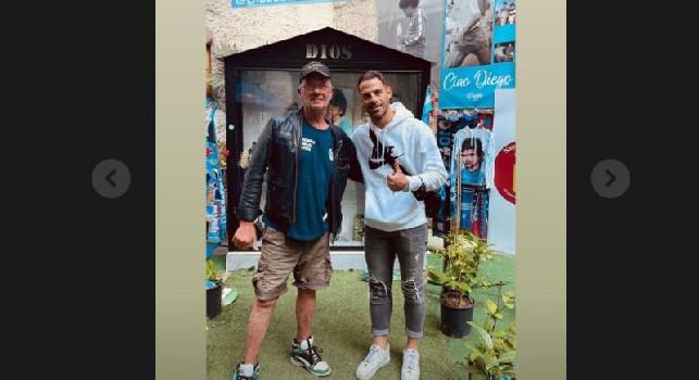 Calaiò in visita al murales di Maradona: Non potevo non visitare questa mostra [FOTO]