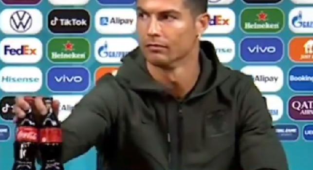 Ronaldo-Coca Cola, la UEFA: Non escludiamo multe: gli sponsor sono importanti