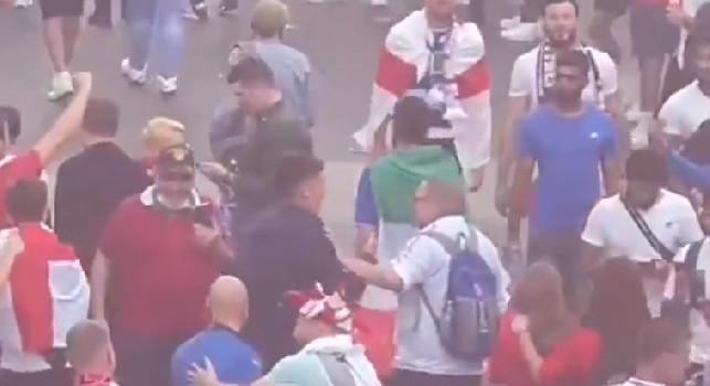 Inghilterra, violazioni contro l'Italia: c'è il rischio di un turno a porte chiuse