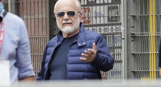 El Pais elogia De Laurentiis: Il suo Napoli è come il cinema di Fellini, che bluff quest'estate...