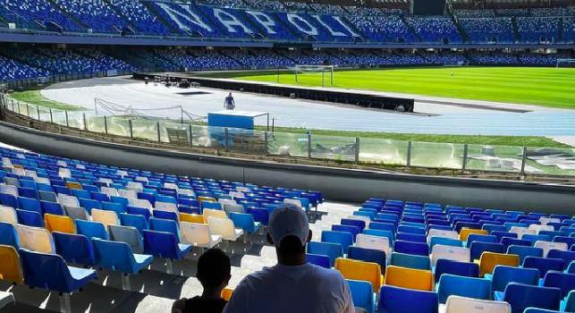 Stadio Napoli vuoto